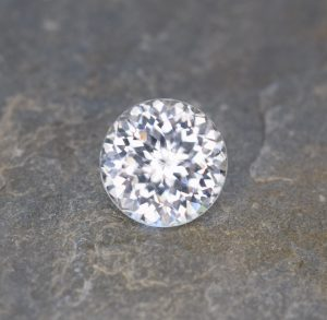 WhiteZircon_round_11.5mm_9.10cts