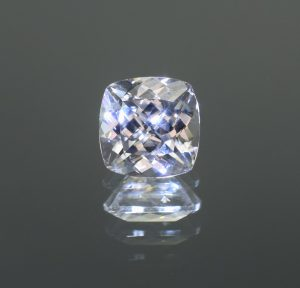 WhiteZircon_sq_cush_8.4mm_3.91cts