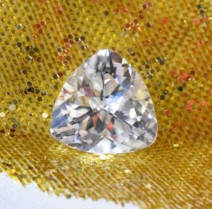 WhiteZircon_trillion_8.0mm_2.44cts