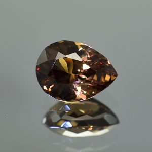 CCGarnet_pear_12.0x9.0mm_5.56cts_primary_cc229