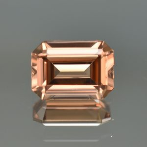 ImperialZircon_eme_cut_11.0x7.8mm_4.99cts_zn1810