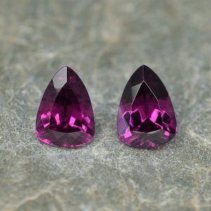 PurpleGarnet_drop_trill_pair_8.4x6.0mm_2.94cts_pl620