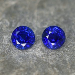 BlueSapphire_round_pair_4.8mm_1.05cts_H_sa358