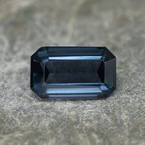 BlueSpinel_eme_cut_7.7x4.7mm_1.05cts_sp254