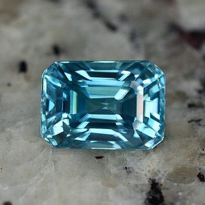 BlueZircon_eme_cut_9.8x7.1mm_5.15cts_zn2370