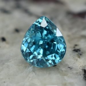 BlueZircon_pear_8.2x7.2mm_3.79cts_zn2270