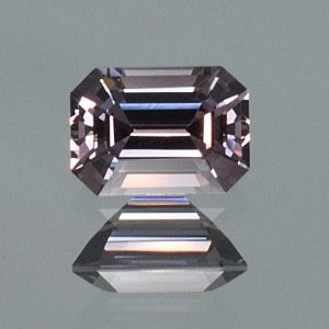 GreySpinel_eme_cut_6.9x4.9mm_1.15cts_sp336