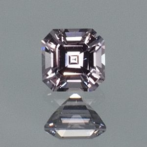 GreySpinel_sq_eme_cut_5.1mm_0.83cts_sp338