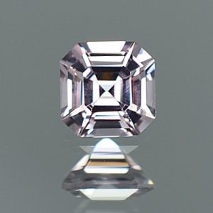 GreySpinel_sq_eme_cut_5.4mm_0.83cts_sp342