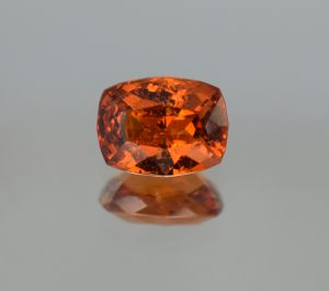 OrangeGrossular_cush_8.8x6.7mm_2.30cts