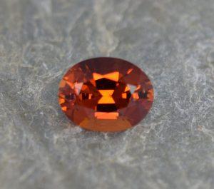 OrangeGrossular_oval_10.5x8.3mm_3.38cts