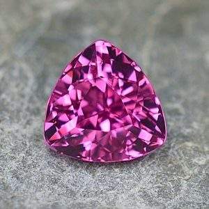 PinkSpinel_trillion_6.2mm_1.06cts_sp282