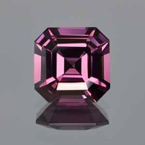 PurpleSpinel_sq_eme_cut_11.5mm_6.95cts_a_sp343