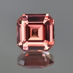 RoseZircon_sq_eme_cut_7.1mm_2.09cts_zn1696