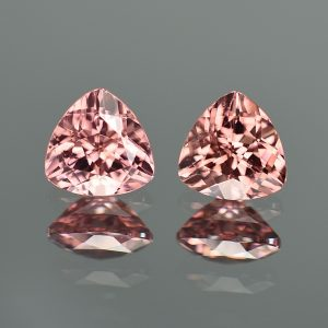 RoseZircon_trillion_pair_7.5mm_4.50cts_zn2073
