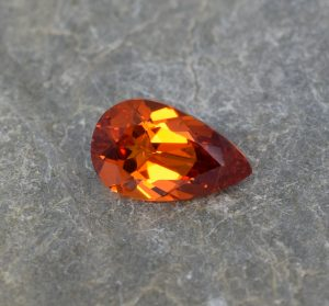 Spessartite_pear_10.3x6.3mm_1.92cts_b