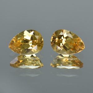YellowZircon_pear_pair_10.6x7.6mm_7.28cts_zn3220