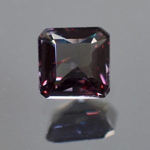 CCGarnet_sq_eme_6.6x6.5mm_1.61cts_mixed_cc284
