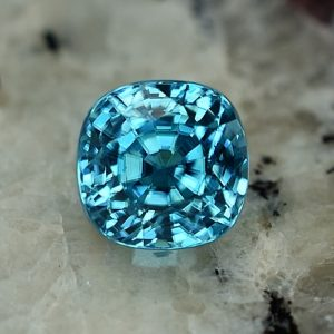 BlueZircon_sq_cush_6.8mm_3.15cts_zn2279