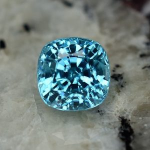 BlueZircon_sq_cush_7.0mm_3.48cts_zn2267