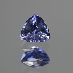 CCSapphire_trillion_5.8x5.6mm_1.00cts_N_day_sa137