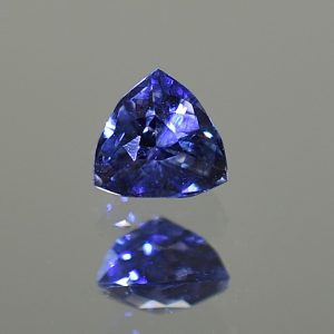 CCSapphire_trillion_5.8x5.6mm_1.00cts_N_primary_sa137