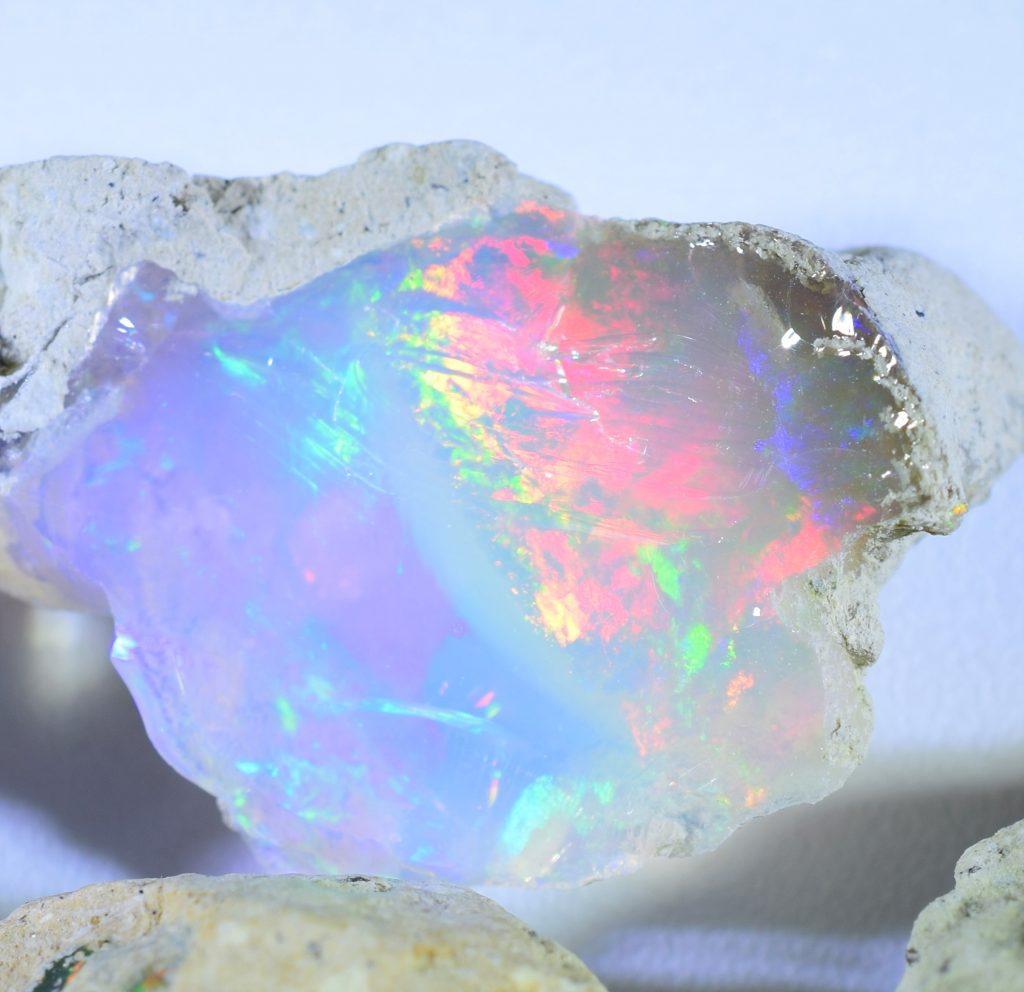 Opal_rough_c