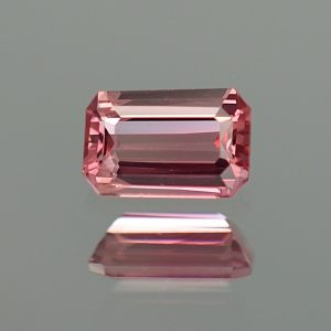 PinkSpinel_eme_cut_6.6x4.3mm_0.84cts_sp182