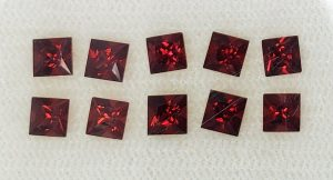 RedGarnet_princess_3.5mm_3.03cts_10pcs_rg189