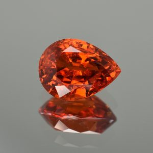 Spessartite_pear_14.0x10.7mm_9.82cts_sg103