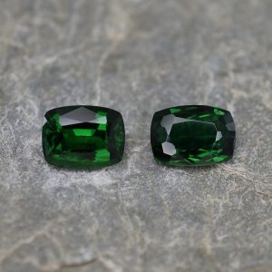 ChromeTourmaline_cushion_pair_7.7x5.7mm_2.30cts_ct182