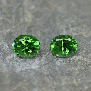 ChromeTourmaline_oval_pair_7.5x6.0mm_2.44cts_ct135