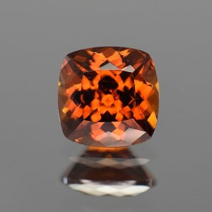 RedOrangeZircon_sq_cush_9.1mm_4.87cts_zn3196