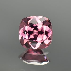 RoseZircon_sq_cush_8.4mm_3.35cts_zn3205