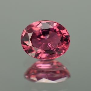 Rubellite_oval_10.4x8.3mm_3.36cts_tm1176