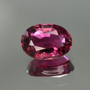 Rubellite_oval_12.4x8.8mm_4.80cts_tm1126