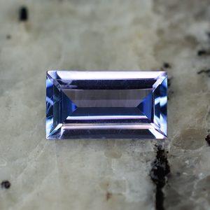 Tanzanite_baguette_9.0x5.0mm_1.11cts_tz215