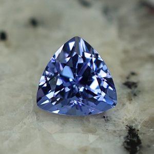 Tanzanite_trillion_6.7mm_1.13cts_tz217