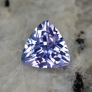 Tanzanite_trillion_6.8mm_1.07cts_tz207