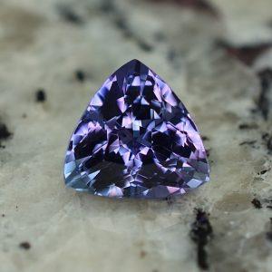 Tanzanite_trillion_9.5mm_3.31cts_tz173