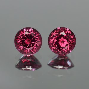 Umbalite_round_pair_8.0mm_5.30cts_a_ug349