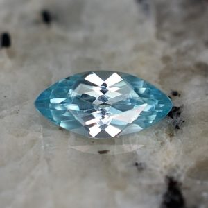 BlueZircon_marquise_8.9x4.4mm_1.04cts_zn3237