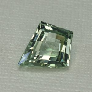 GreenBeryl_ch_kite_17.8x14.5mm_8.23cts_N_b_gb103