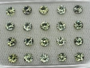 GreenSapphire_round_3.0mm_2.62cts_20pcs_N_sa380
