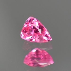 PinkSpinel_drop_trillion_5.5x4.1mm_0.54cts_sp424