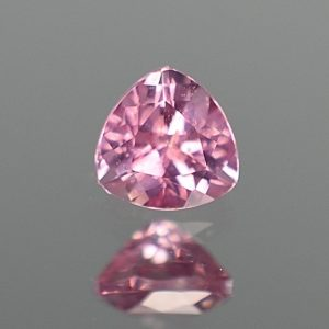 PinkSpinel_trillion_5.0mm_0.62cts_sp276