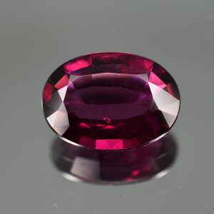 PurpleGarnet_oval_14.1x10.3mm_5.85cts_pl455