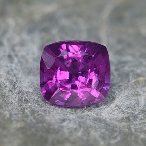 PurpleGarnet_sq_cush_5.7x5.4mm_0.99cts_pl404