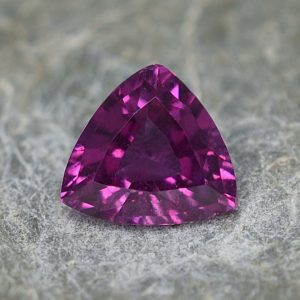 PurpleGarnet_trillion_7.1x6.9mm_1.23cts_pl403
