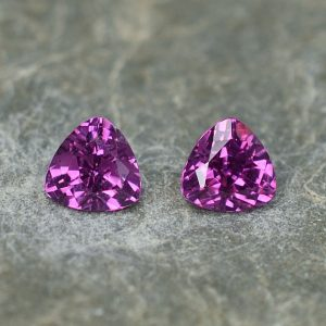 PurpleGarnet_trillion_pair_5.0mm_1.04cts_pl477